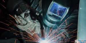 Grab the Best Welding Helmet Reviews | Unless Flying Debris Might Hurt You